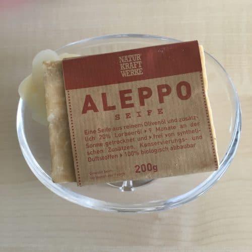 Eine für alle(s): Alepposeife. Hat man aich an den herben Geruch mal gewöhnt, kann man daran eigentlich wenig aussetzen.